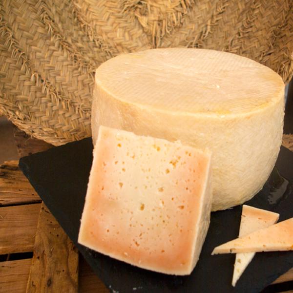 queso de oveja y cabra curado en aceite de oliva boc